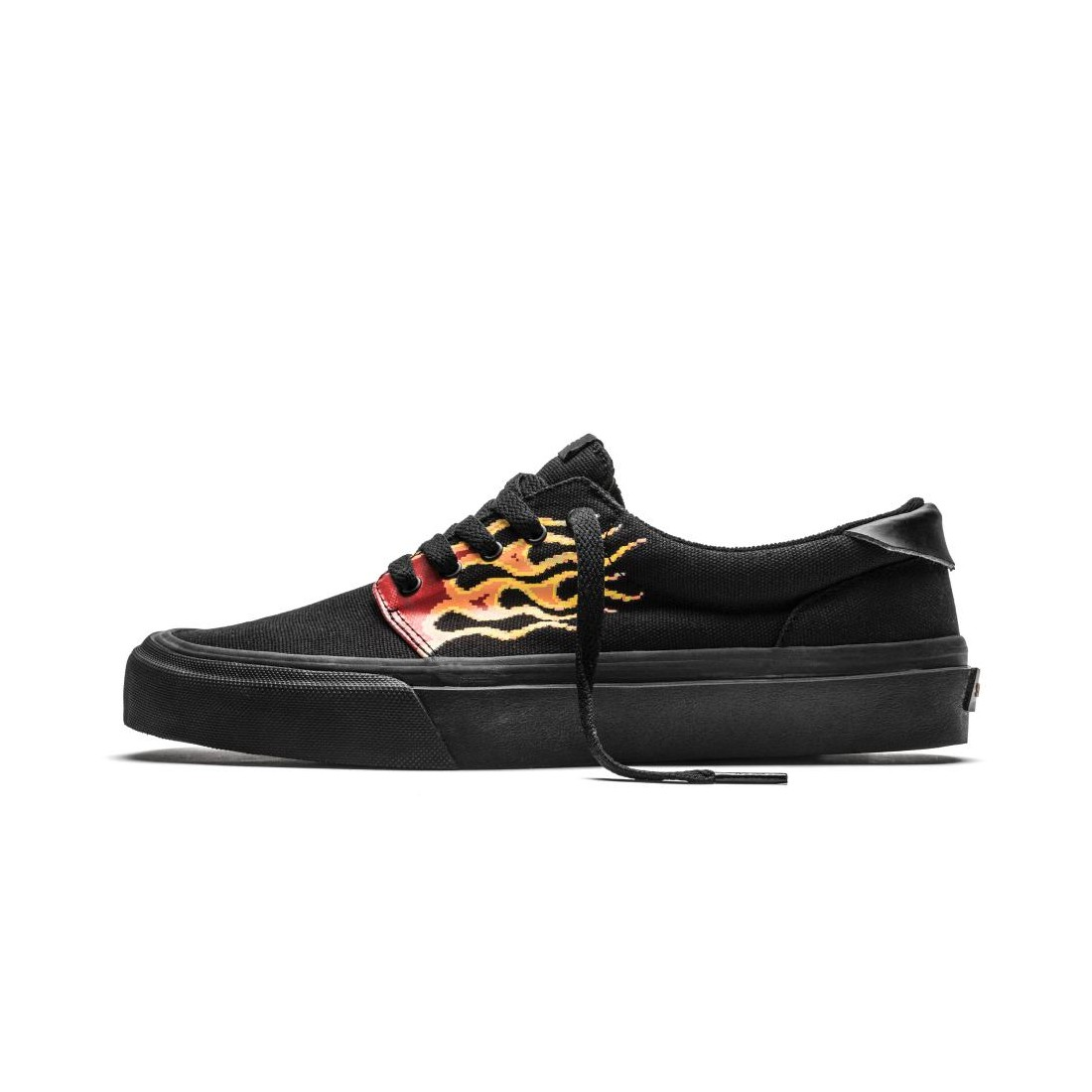 FAIRFAX pixel flame black